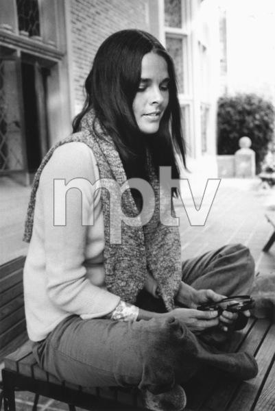 Ali MacGraw1969 © 1978 Ken Whitmore - Image 6628_0015