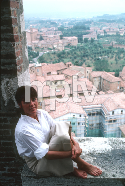 Ali MacGrawon location in Europe during film production1981/**H.L. - Image 6628_0119