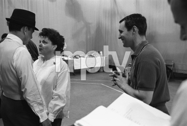 """The Judy Garland Show""Judy Garland, Frank Sinatra, Norman Jewison1962 © 1978 Bob Willoughby  - Image 6638_0003"