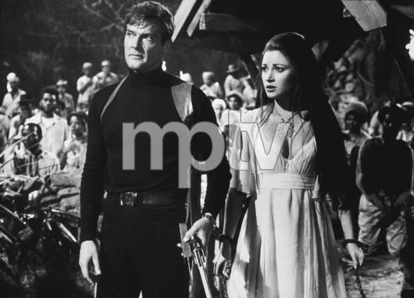 """""""Live and Let Die,""""Roger Moore, Jane Seymour1973 MGM / MPTV - Image 6773_0003"""