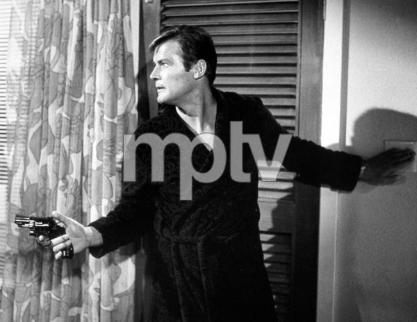 """""""Live and Let Die,"""" Roger Moore © 1973 MGM / MPTV - Image 6773_0008"""