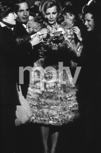 """Opening Night""Gena Rowlands, Ben Gazzara © 1978 Faces - Image 6940_0005"