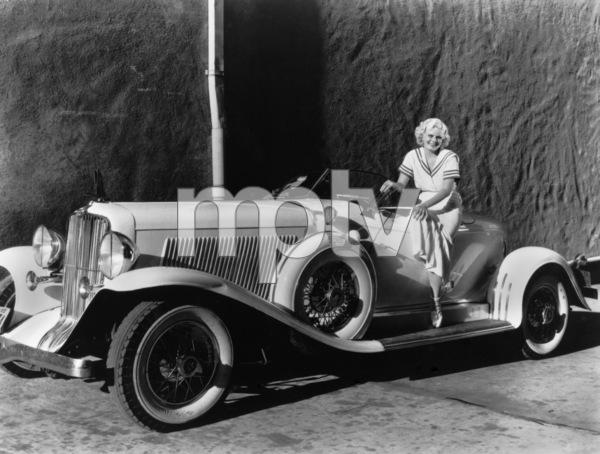 Jean Harlow with her 1932 Auburn 12circa 1932 - Image 716_413