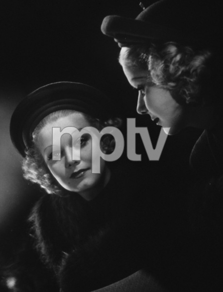 Jean Harlow looking into the mirror, 1936. © 1978 Ted AllanMPTV - Image 716_45