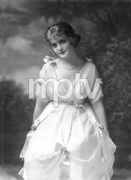 Billie Burke, circa 1916, Photo by Witzel - Image 7529_0026