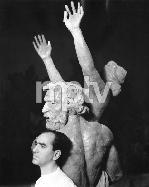 Busby Berkeley, American film choreographer and director known for his lavish synchronized dance and production numbers, 1935, I.V. - Image 7644_0006