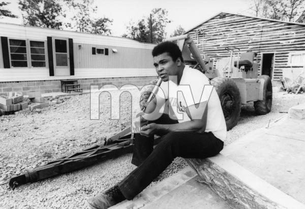 Muhammad Ali at his Deer Lake camp 1974 © 1978 Gunther - Image 7683_0153