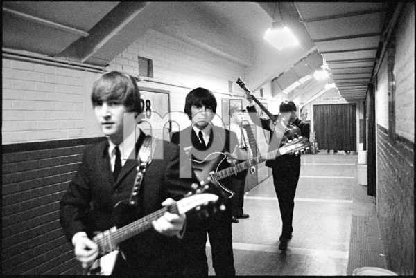 The Beatles (John Lennon, George Harrison, Paul McCartney) backstage 1964 © 1978 Gunther - Image 7685_0128