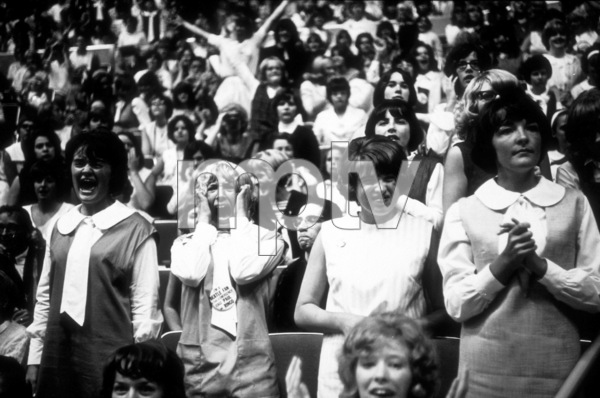 Beatles Fans enjoying the concertBeatles USA Tour, 1964 © 1978 Gunther / MPTV  - Image 7685_0160