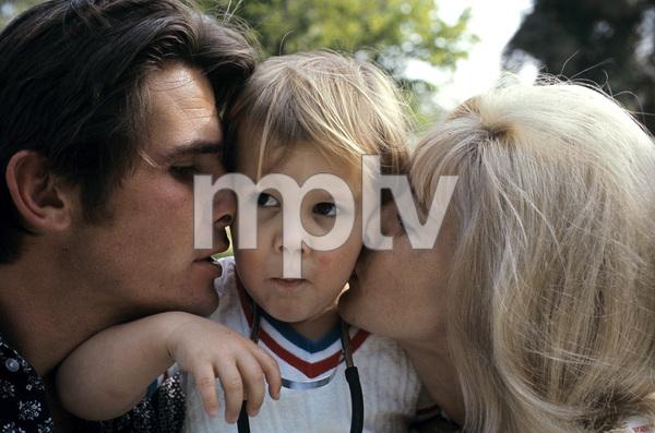 James Brolin with wife Jane Cameron Agee and son Josh Brolin1970 © 1978 Gene Trindl - Image 7729_0012
