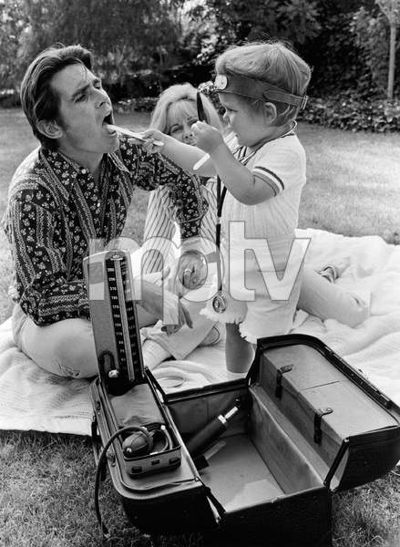 James Brolin with wife Jane Cameron Agee and son Josh Brolin1970 © 1978 Gene Trindl - Image 7729_0017