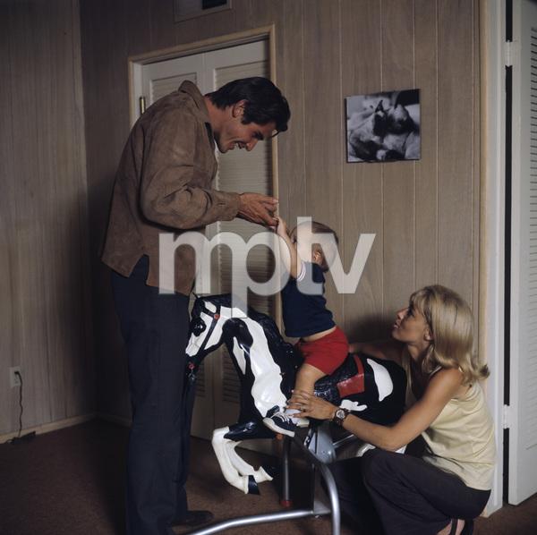 James Brolin with wife Jane Cameron Agee and son Josh Brolincirca 1970** H.L. - Image 7729_0030
