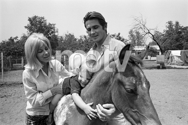James Brolin with wife Jane Cameron Agee and son Josh Brolin1970 © 1978 Gunther - Image 7729_0034