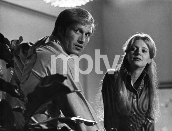 Ken Howard and Blythe Danner1973Photo by Wynn Hammer - Image 7836_0001