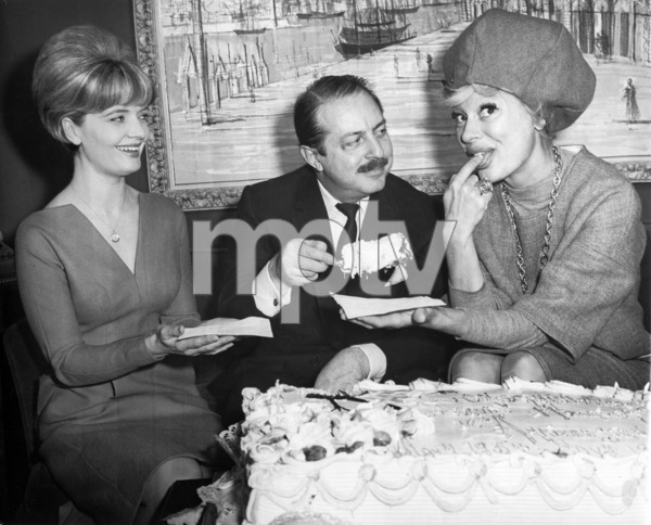 Florence Henderson with David Merrick and Carol Channing 1964** I.V / M.T. - Image 7849_0031