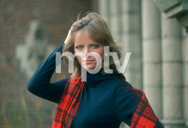 Cheryl TiegsDecember 1976 © 1978 Sid Avery - Image 7887_0139