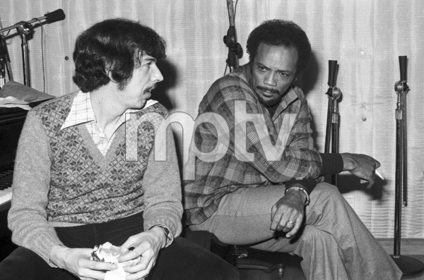 Quincy Jones and Rod Temperton at a Los Angeles recording studio1980© 1980 Bobby Holland - Image 7920_0029