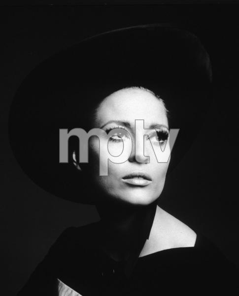 Faye DunawayThomas Crown Affair, The (1968)UA / **I.V. - Image 8384_0027