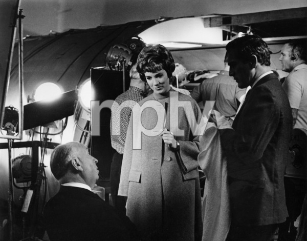 """""""Torn Curtain""""Alfred Hitchcock, Julie Andrews, Paul Newman1966 - Image 8418_0008"""