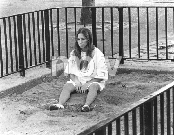 """Up The Sandbox""Barbra Streisand1972 First Artists**I.V. - Image 8471_0002"