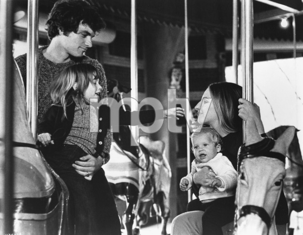 """Up The Sandbox""David Selby, Ariane Heller,Barbra Streisand1972 First Artists**I.V. - Image 8471_0005"
