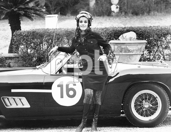 """""""Anyone Can Play""""Claudine Auger1967 Documento Films / Paramount Pictures - Image 9003_0006"""