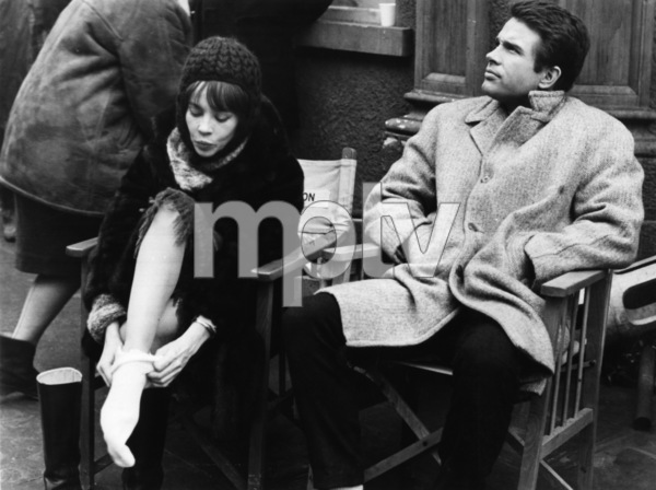 """""""Promise Her Anything"""" Leslie Caron, Warren Beatty 1965 Paramount Pictures - Image 9168_0002"""