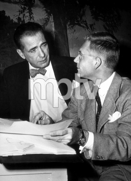 """""""The Enforcer""""Humphrey Bogart and director, Bretaigne Windust, backstage between takes1950 Warner Bros.Photo by """"Graybill""""MPTV - Image 9214_0004"""
