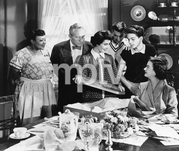 """Father of the Bride""Marietta Canty, Spencer Tracy, Elizabeth Taylor, Tom Irish, Russ Tamblyn, Joan Bennett1950 MGM** R.C. - Image 9235_0005"