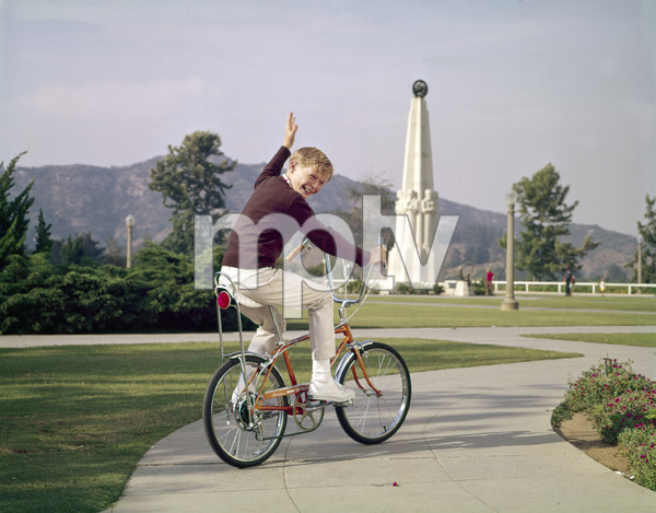 Bicycles (Schwinn)circa 1960s / Griffith Park Observatory © 1978 Sid Avery - Image 9245_0014