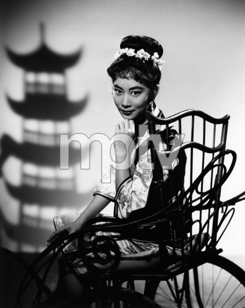 """Have Gun - Will Travel""Lisa Lu1957Photo by Gabi Rona - Image 9268_0016"