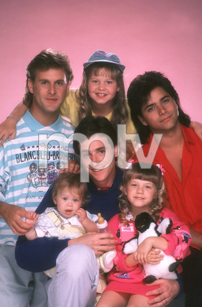 """Full House""David Coulier, Candice Cameron, John Stamos, Jodie Sweetin, Bob Saget, Ashley OlsenABC © 1987 Mario Casilli - Image 9335_0019"