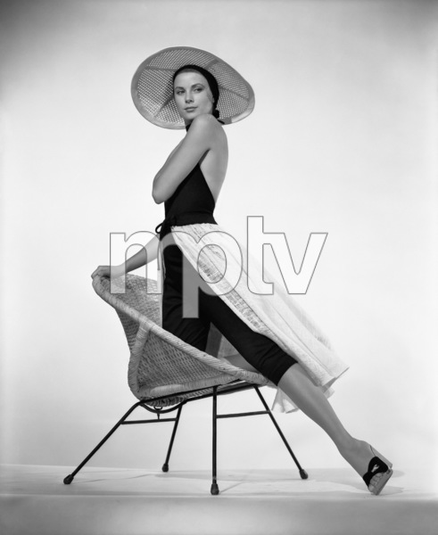 """Grace Kelly publicity photo for """"To Catch a Thief""""1955** I.V. - Image 9339_0116"""