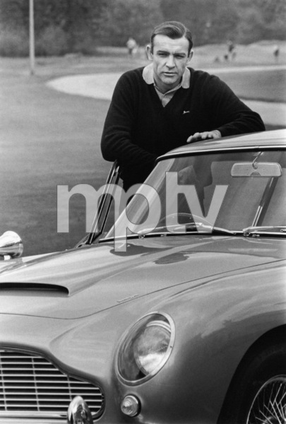 """""""Goldfinger"""" Sean Connery with his Aston Martin DB 5 1964 ** I.V. - Image 9455_0046"""