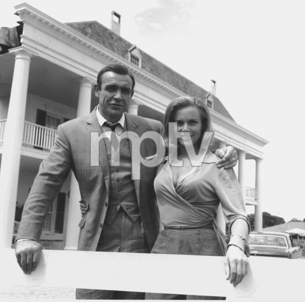 """Goldfinger"" Sean Connery, Honor Blackman1964 UA **I.V. - Image 9455_0053"