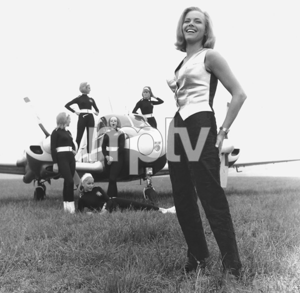 """Goldfinger"" Honor Blackman1964 UA **I.V. - Image 9455_0056"