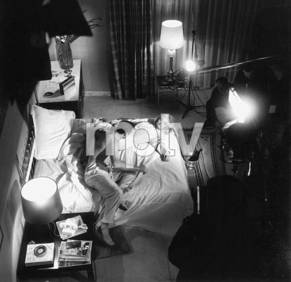 """Goldfinger"" Sean Connery, Shirley Eaton1964 UA **I.V. - Image 9455_0078"