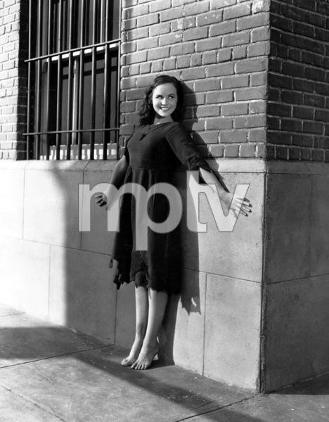 """""""Modern Times""""Paulette Goddard1936 United Artists**I.V. - Image 9463_0010"""