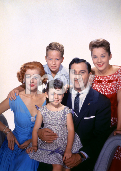 """The Danny Thomas Show""Marjorie Lord, Rusty Hamer, Angela Cartwright, Danny Thomas, Sherry Jackson1957 © 1978 Gene Howard - Image 9502_0006"