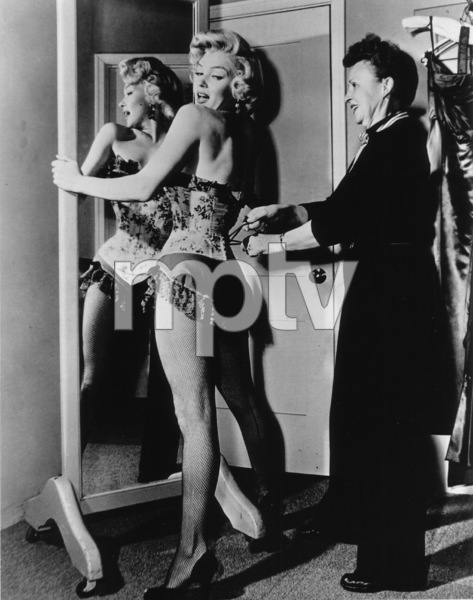 """River Of No Return""Marilyn Monroe on the set.1954 / 20th Century Fox**R.C. - Image 9550_0014"