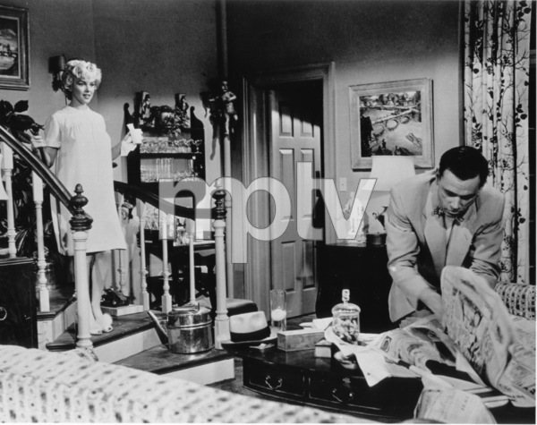 """Seven Year Itch, The""Marilyn Monroe, Tom Ewell1955 / 20th Century Fox**R.C. - Image 9554_0011"