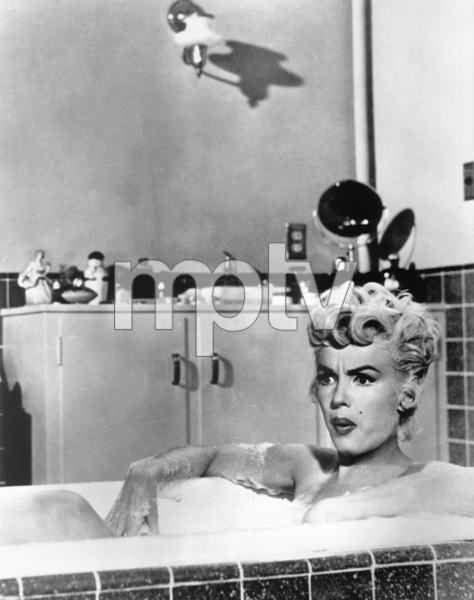 """Seven Year Itch, The""Marilyn Monroe1955 / 20th Century Fox** R.C. / Photo by Bill Thomas - Image 9554_0015"