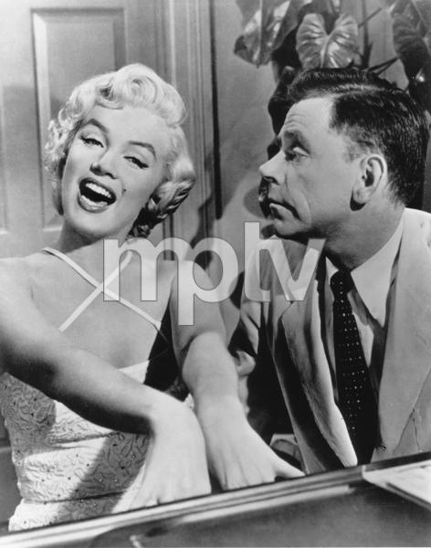 """Seven Year Itch, The""Marilyn Monroe, Tom Ewell1955 / 20th Century Fox**R.C. - Image 9554_0030"
