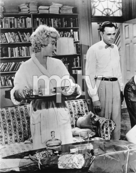 """Seven Year Itch, The""Marilyn Monroe, Tom Ewell1955 / 20th Century Fox**R.C. - Image 9554_0031"