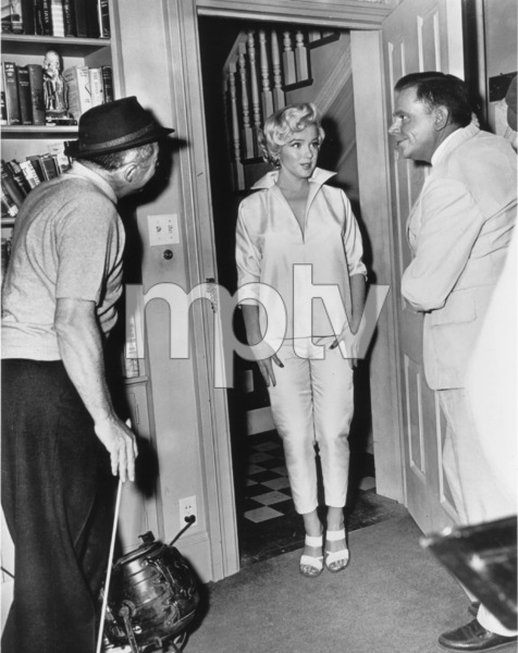"""Seven Year Itch, The""Dir. Billy  Wilder, Marilyn Monroe, Tom Ewell1955 / 20th Century Fox**R.C. - Image 9554_0032"