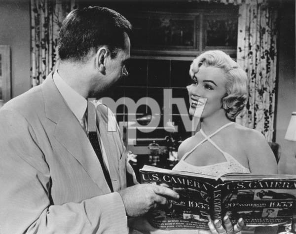 """""""Seven Year Itch, The""""Tom Ewell, Marilyn Monroe1955 / 20th Century Fox - Image 9554_0033"""