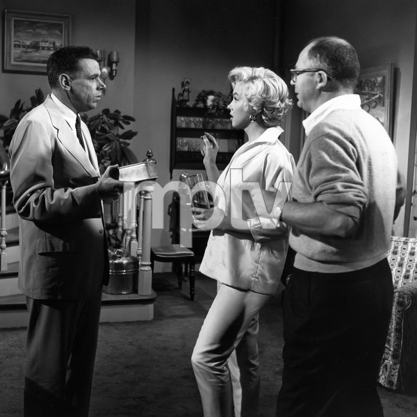"""The Seven Year Itch""Tom Ewell, Marilyn Monroe, director Billy Wilder1955 20th Century Fox** I.V. - Image 9554_0054"