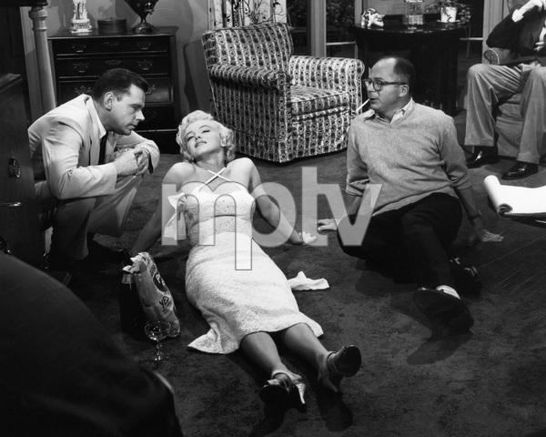"""The Seven Year Itch""Tom Ewell, Marilyn Monroe, director Billy Wilder1955 20th Century Fox** I.V. - Image 9554_0057"