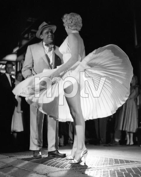 """The Seven Year Itch""Tom Ewell, Marilyn Monroe1955 20th Century Fox** I.V. - Image 9554_0068"