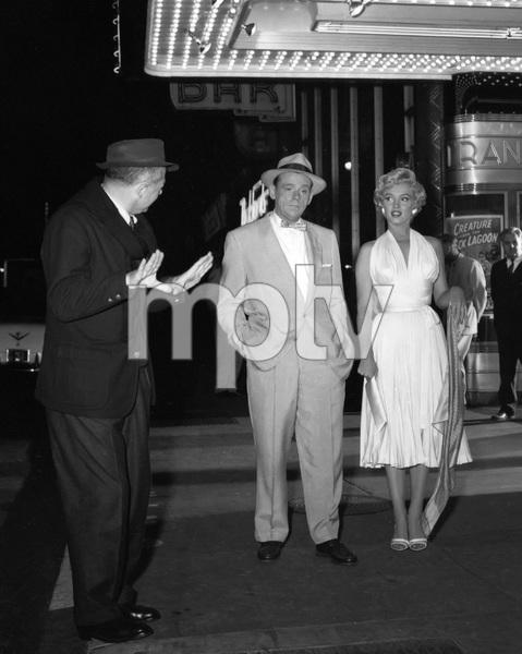 """The Seven Year Itch""Tom Ewell, Marilyn Monroe1955 20th Century Fox** I.V. - Image 9554_0072"